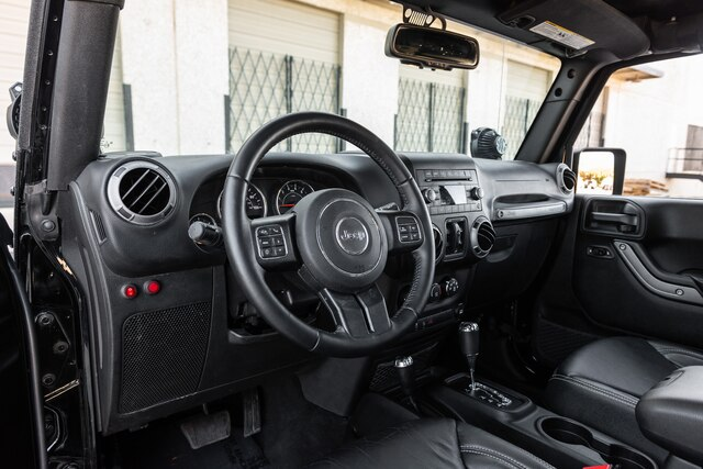 Pre-Owned 2017 Jeep Wrangler Unlimited 4