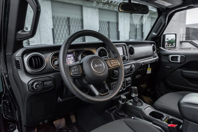 Pre-Owned 2019 CUSTOM Jeep Wrangler Unlimited 3.5