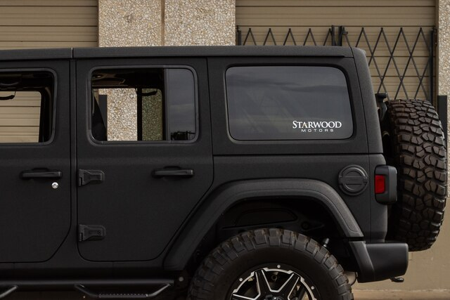 Pre-Owned 2019 Jeep Wrangler Unlimited SATIN BLACK Fab Fours JL