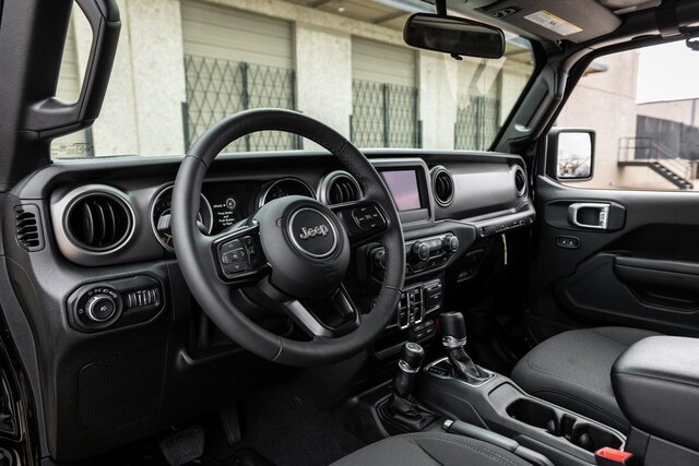 Pre-Owned 2019 Jeep Wrangler Unlimited FabTech BLACK RHINO